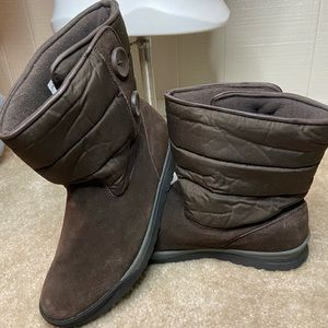 Like new LANDS END winter boots!